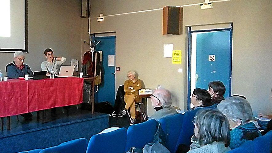 Public restreint pour la journée de formation, mais salle comble pour la soirée-débat au cinéma de Millau.