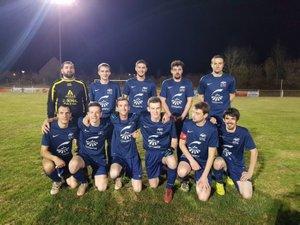 L'équipe de footballeurs d'Aubrac 98.