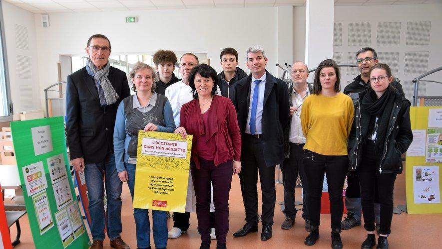 Les élus de la Région et le personnel du lycée mobilisés contre le gaspillage.
