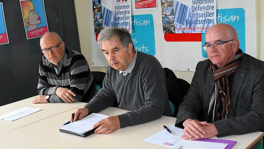 Deux des conciliateurs de l'association, Jean-Louis Coste (à g.) et Guy Pomarède (au c.) aux côtés du président Jean-Luc Paulat.