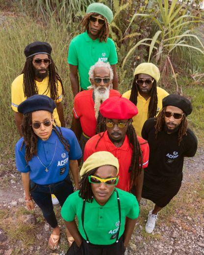 Fred Perry et Art Comes First font équipe autour d'une capsule colorée inspirée par la Jamaïque.