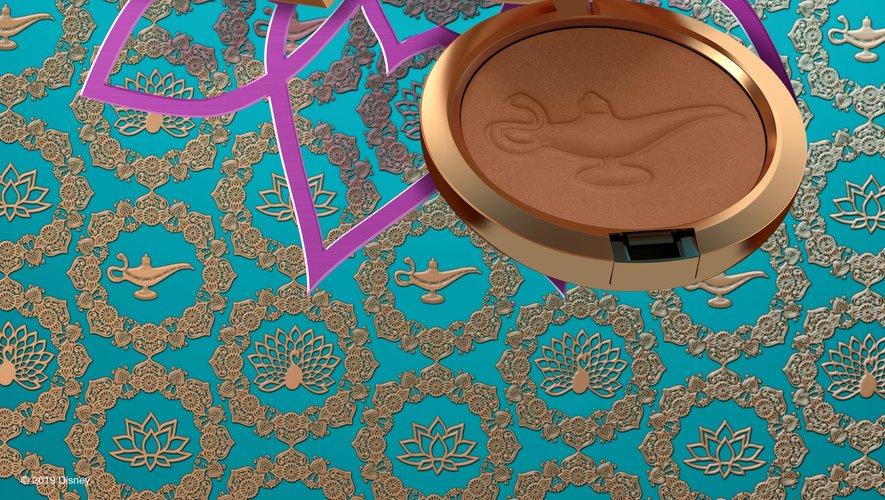 """M.A.C Cosmetics s'associe avec Disney autour d'une collection de maquillage à l'effigie du film """"Aladdin""""."""