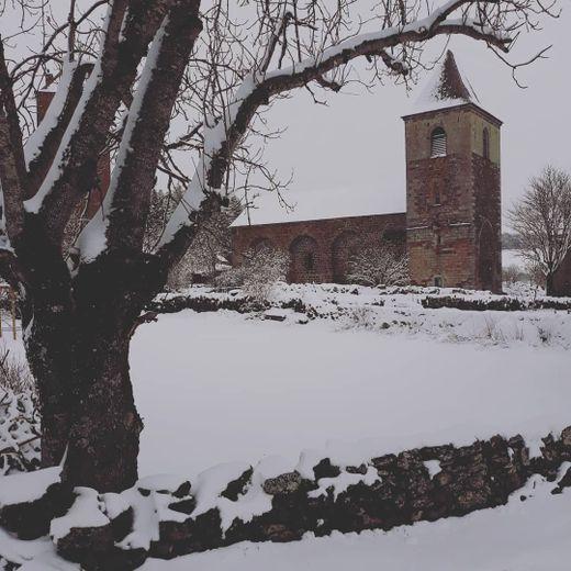 Le village d'Aubrac a retrouvé son manteau blanc.