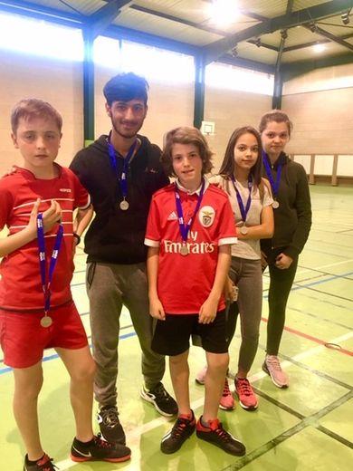 L'équipe junior de badminton.