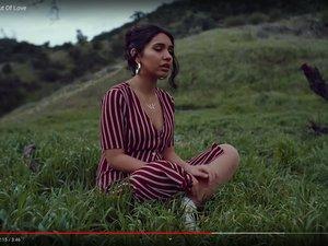 """""""Out of Love"""", le dernier clip d'Alessia Cara sur YouTube."""