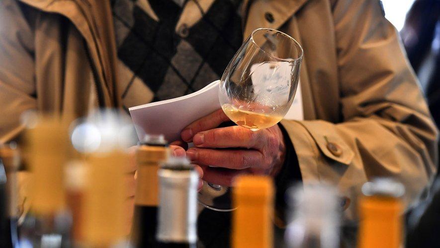 La semaine des primeurs est un véritable marathon de dégustations qui permet de se faire une idée de la qualité du vin et de l'acheter deux ans avant sa mise en bouteille.