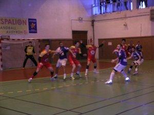 Les handballeurs veulent conforter leur 2e place.