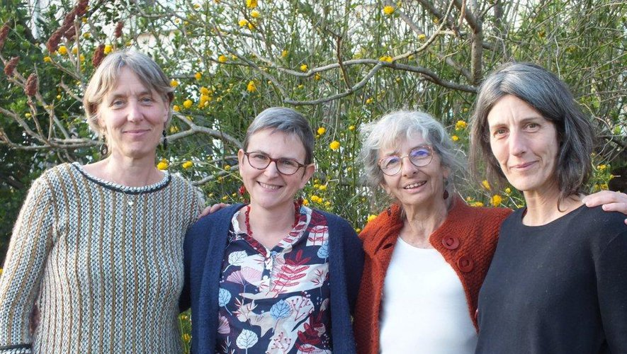 Sylvie, Laurence, Colette et Kristel ont choisi d'un commun accord et réflexion mûrie de mettre leur Jardin littéraire en éternelle jachère.