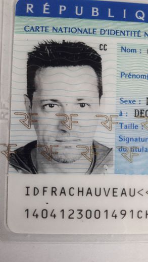Une photo ancienne de Christophe Chauveau. Désormais,  son crâne est rasé et sa corpulence est plus forte.
