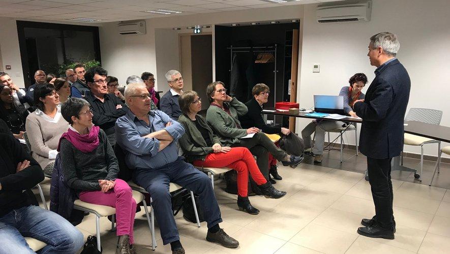 Un auditoire attentif au discoursdu président Michel Causse.
