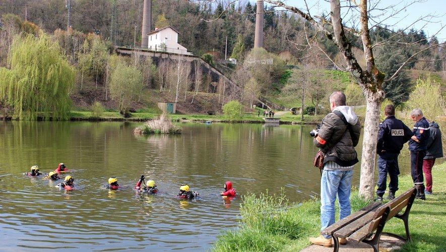 Les pompiers plongeurs avaient sondé le plan d'eau du Gua à Aubin à sa recherche.