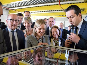 Agnès Pannier-Runacher, ici lors d'une récente visite de l'usine Bosch d'Onet-le-Château.