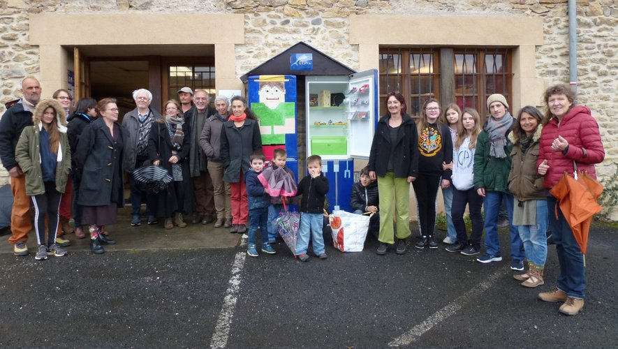 Inauguration de l'« Espa'don », la give-box d'Espalion, au pied de Saint-Hilarian, Quai du 19 mars.
