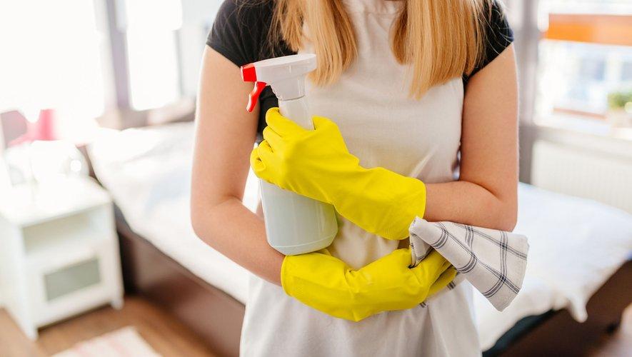 """Pour diminuer la pollution de l'air intérieur, mieux vaut se passer de produits ménagers industriels, composés de """"substances toxiques"""" affirme vendredi le magazine 60 Millions de consommateurs."""