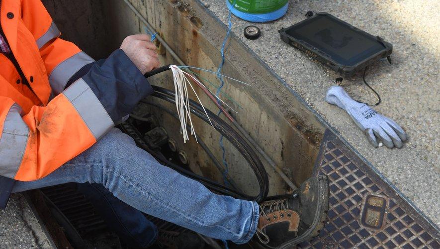 Les techniciens ont pu rétablir les réseaux samedi vers 22 h 30.