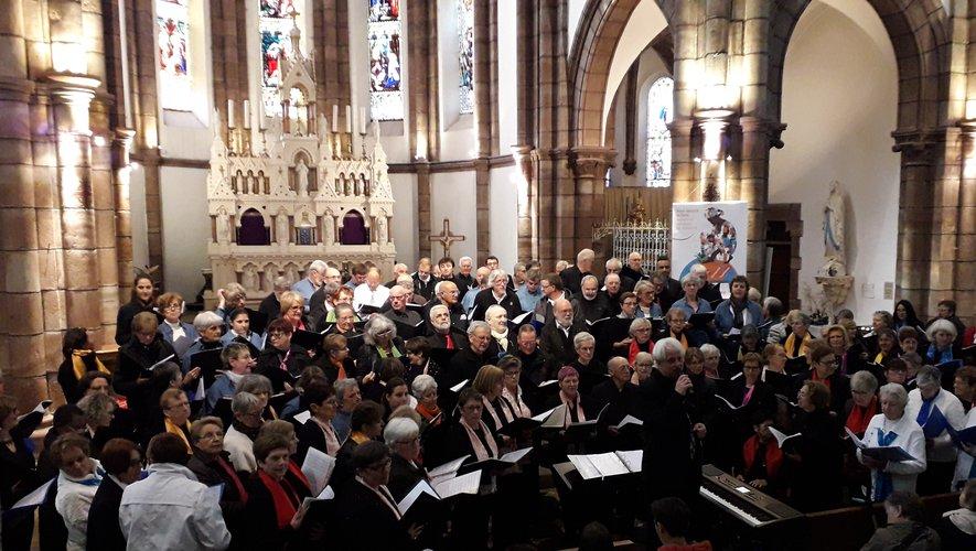 Six chorales réunies pour le « Concert de Julie ».