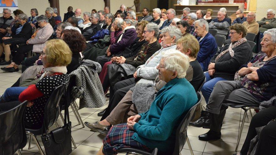 Les auditeurs, très touchés par les propos de Serge, lui ont posé de nombreuses questions.
