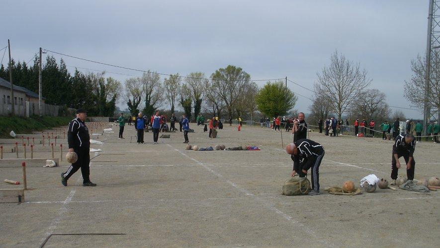 Dimanche, la société de quilles Cassagnes-Salmiech organisait la première manche district Céor Lagast.