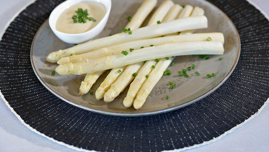 Asperges blanches du Blayais et sauce mousseline maison