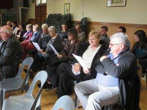 Les membres attentifs à la présentation des bilans.