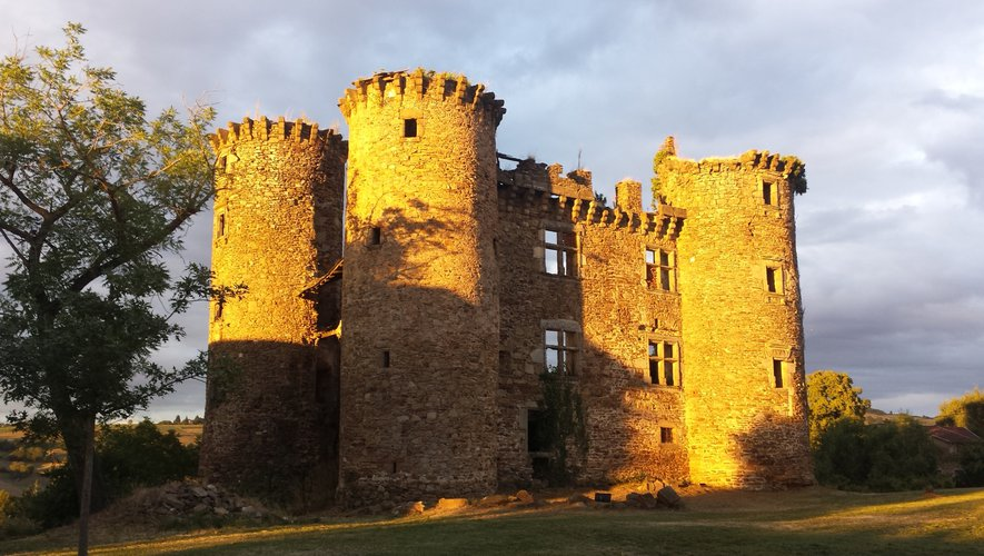 Le château de Pagax, avant le 8 mars.