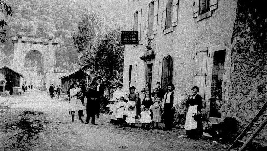 A Livinhac, au temps du café Alazard.