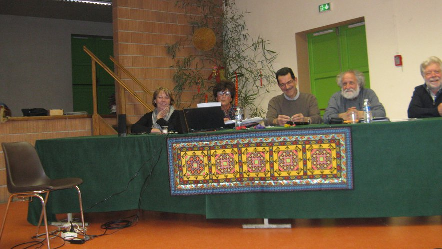 Le bureau de la VVV avec les mairesde Tauriac et de Tanus.