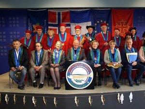 La confrérie de l'Estofi fondée en 1990 dans le Bassin.