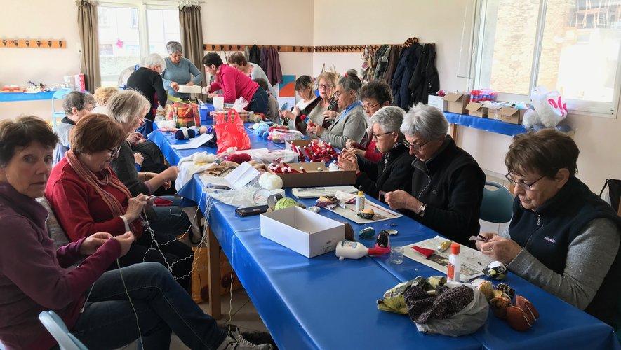 Couture, tricotage sont au programme des activités
