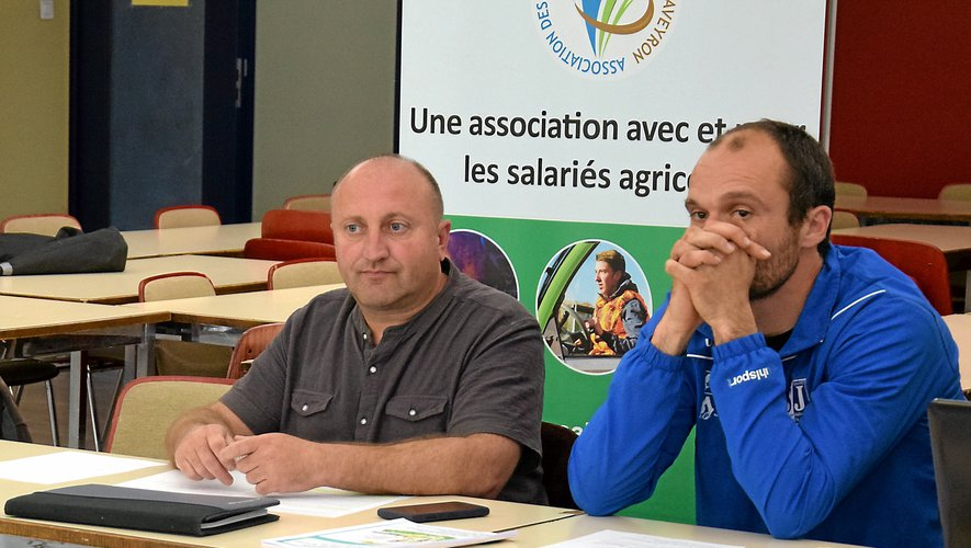 Sébastien Issalis, à gauche, président de l'association des salariés agricoles.