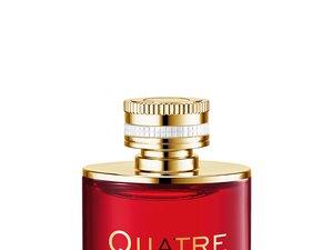 """L'eau de parfum """"Quatre en Rouge"""" de Boucheron."""