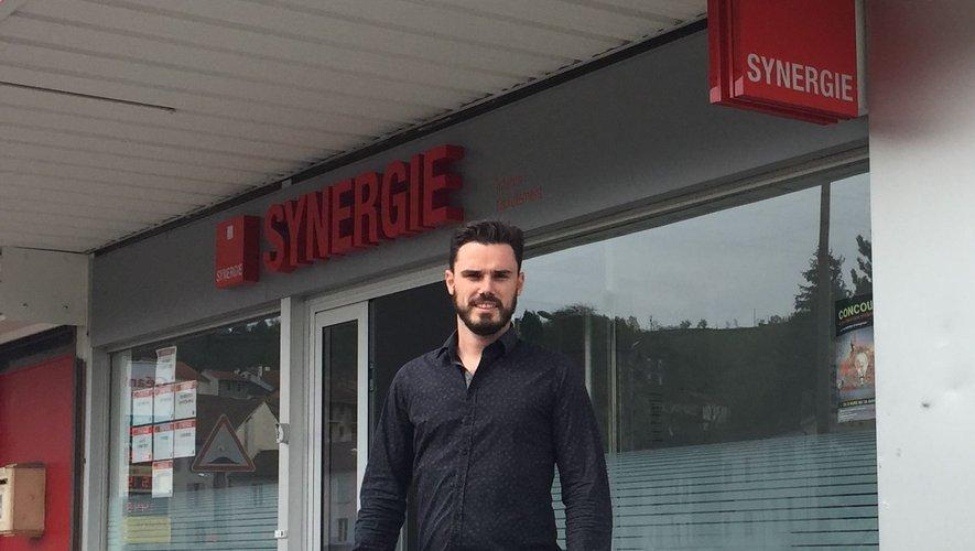 Guillaume Gritti, le responsable de l'agence d'intérim et de recrutement Synergie qui vient de s'installer à Decazeville.