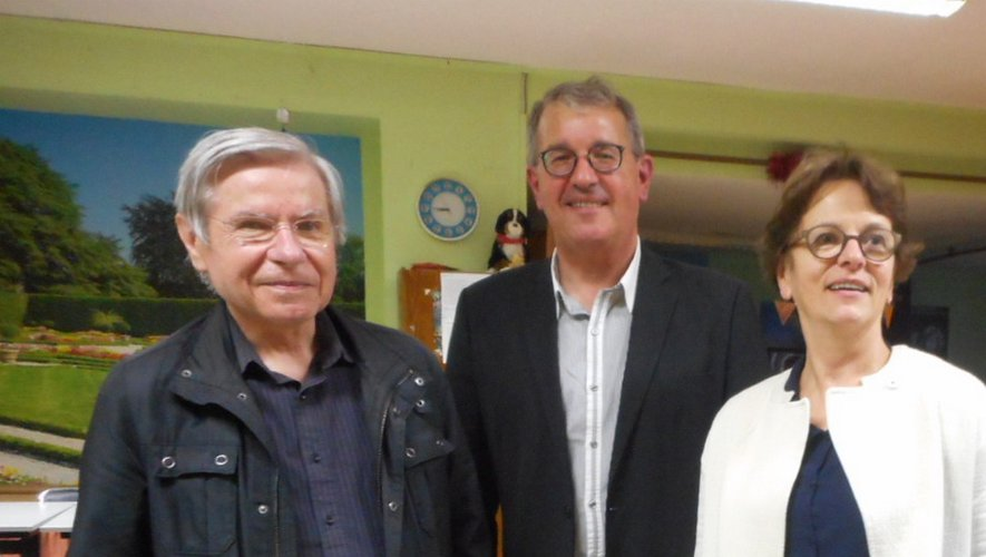 Philippe Foro, au centre, est un universitaire très accessible.