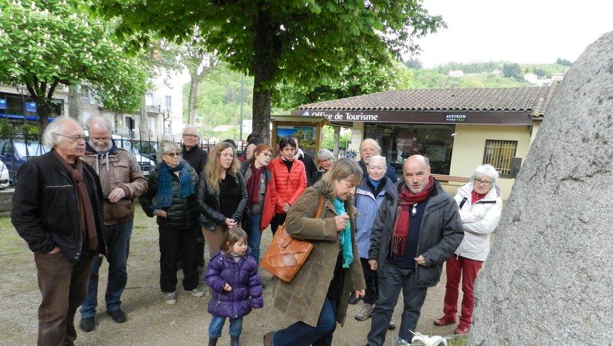 Lors d'un précédent rassemblement à la stèle  du jardin de la mairie.
