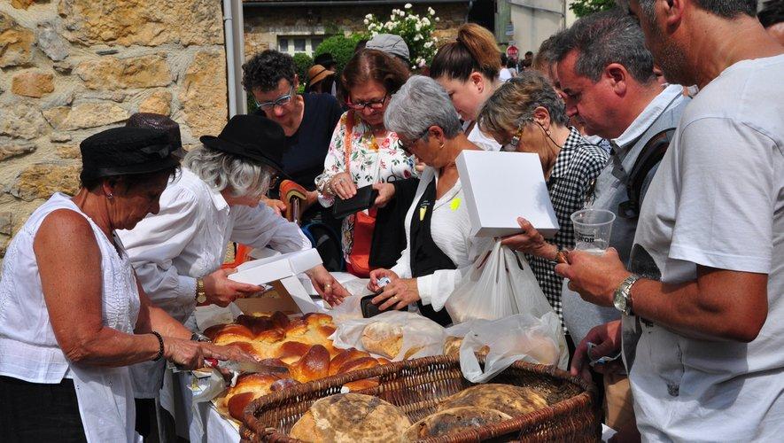 Les fournées de pains et de fouaces seront une fois de plus mises à la vente.
