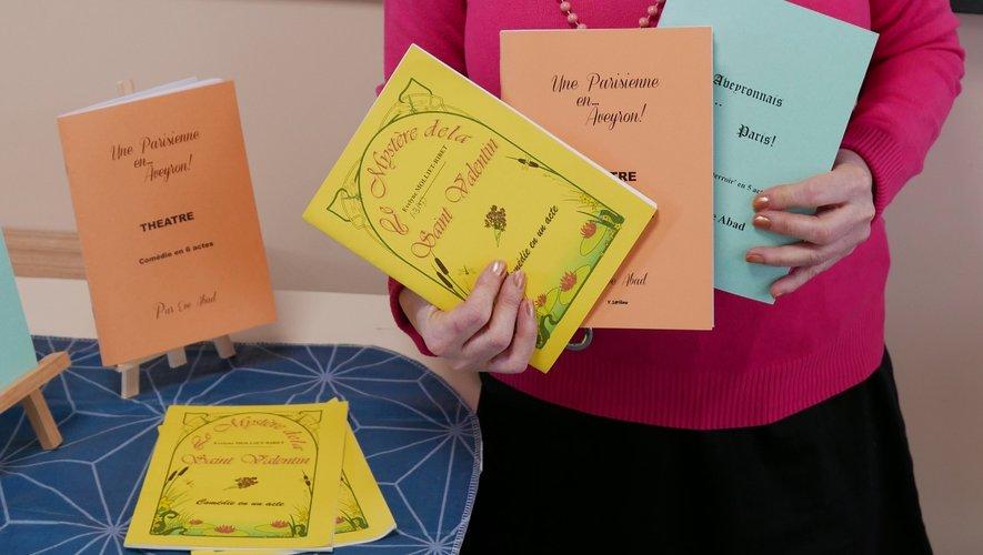 Ève Abad jongle entre théâtre et livres pour la jeunesse.
