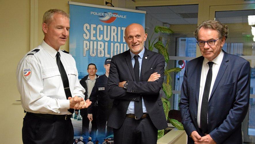 Jean-Pierre Delmas, directeur adjoint, a accueilli le député Stéphane Mazars et le président de l'Agglo Christian Teyssèdre, hier.