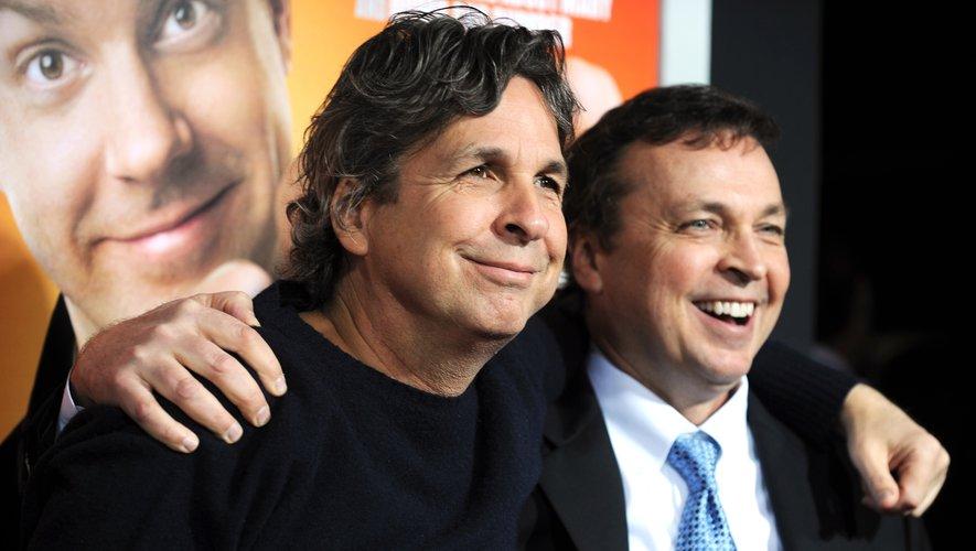 Peter Farrelly (à gauche) avec son frère Bobby Farrelly va poursuivre sa carrière de réalisateur en solo avec un nouveau projet d'adaptation.