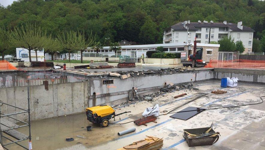 Les travaux battent leur plein à la piscine municipale.