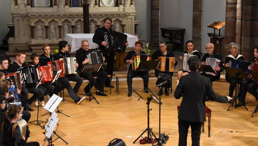 Richard Galliano en concert avec les élèves des écoles d'accordéon.