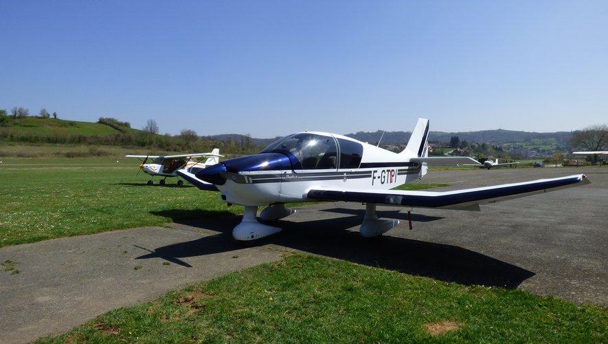 L'Aéroclub du Rouergue dispose de cinq appareils.