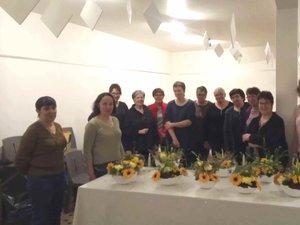 Un atelier d'initiation à l'art floral aux couleurs pascales