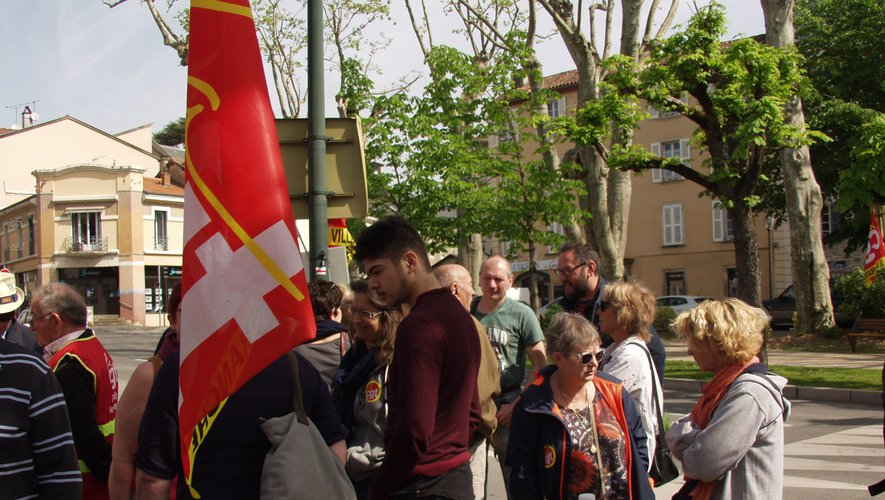 Syndicalistes et Gilets jaunes côte à côte