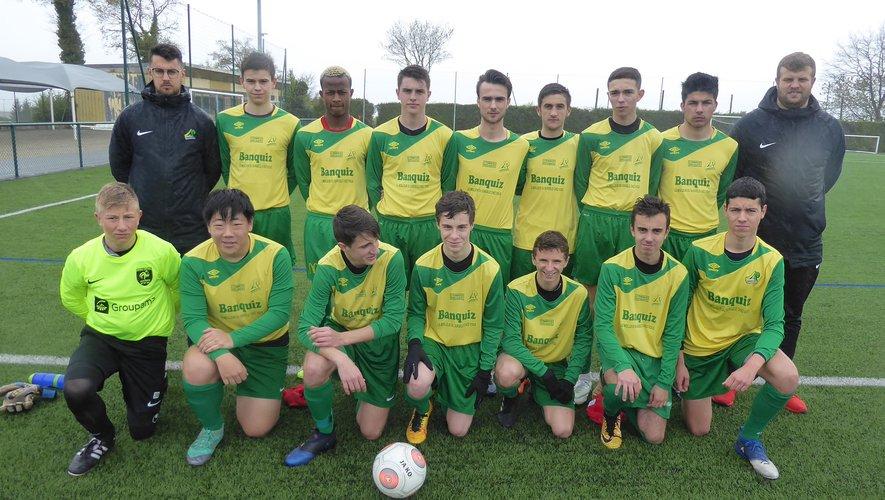 L'équipe I des U17 avant le coup d'envoi contre St-Orens FC.