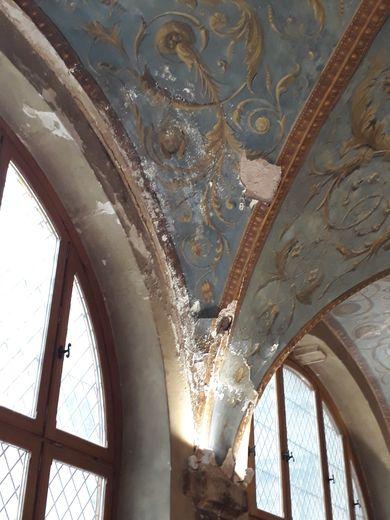 Si la peinture de la coupole a subi des travaux de rénovation dans les années 1990, il était urgent d'en réaliser de nouveaux au vu de l'état de la structure