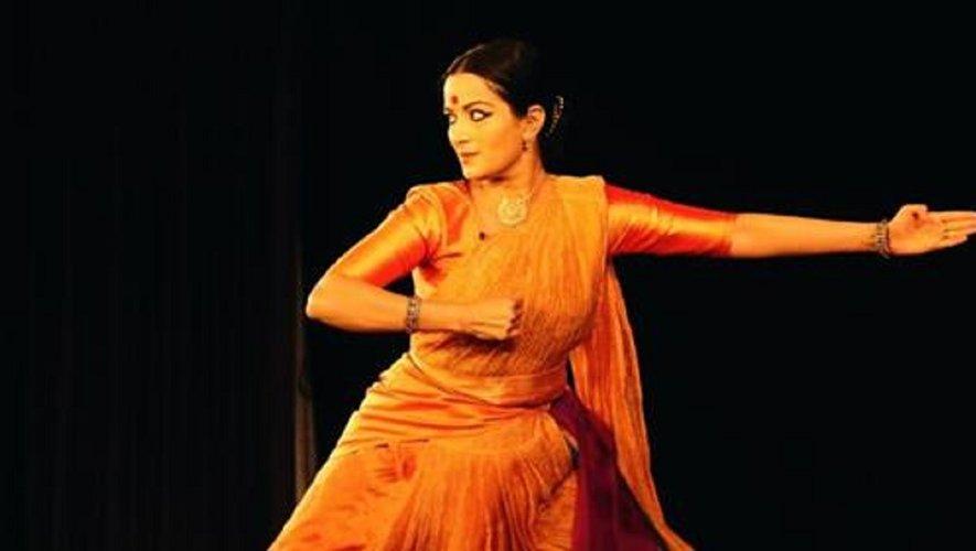 C'est l'occasion de découvrir cette création où se mêlent théâtre, paroles et danse.