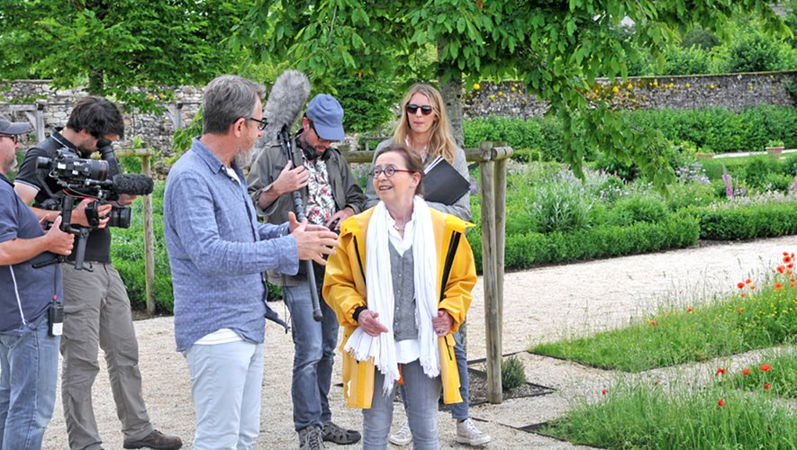 "Martine Harlin, propriétaire, et Jamy Gourmaud, animateur de l'émission ""Côté jardin""."