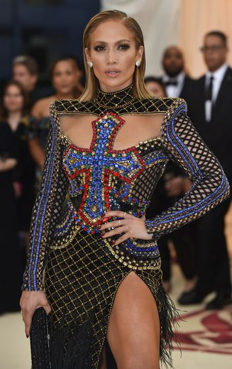 Jennifer Lopez lors du gala du Met le 7 mai 2018 au Metropolitan Museum of Art de New York.