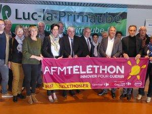 Les délégués locaux et départementaux du Téléthon, les élus autour de Mme Laurence Tiennot-Herment.