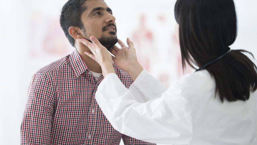 Les médecins généralistes libéraux déclarent travailler 54 heures par semaine, et leurs consultations durent en moyenne 18 minutes, selon une étude menée auprès de 3.300 praticiens, publiée mardi par la Drees.